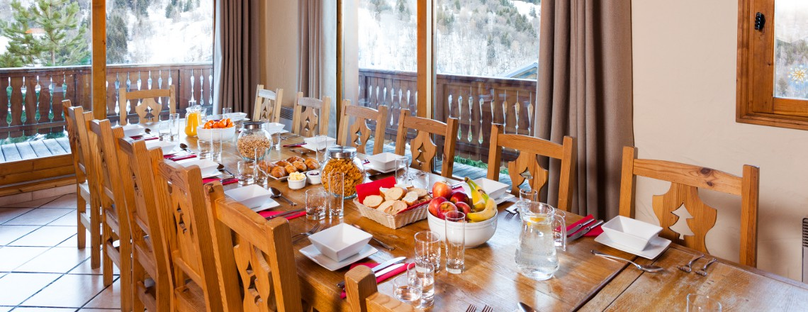 catered chalet French